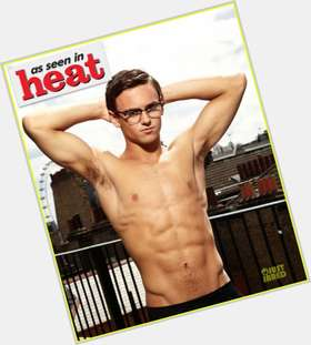 "<a href=""/hot-men/tom-daley/is-he-bi-virgin-dating-anyone-single-straight"">Tom Daley</a> Athletic body,  dark brown hair & hairstyles"
