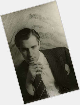 Vincent Price light brown hair & hairstyles Athletic body,