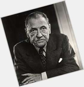 "<a href=""/hot-men/w-somerset-maugham/is-he-theatre-novel-___-w."">W Somerset Maugham</a>"