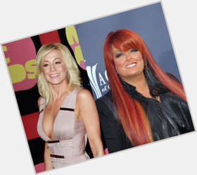 Wynonna Judd red hair & hairstyles Voluptuous body,