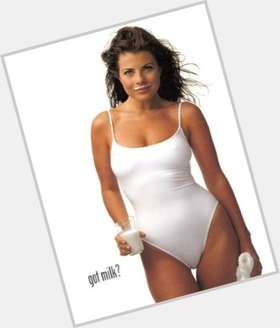 Yasmine Bleeth dark brown hair & hairstyles Voluptuous body,