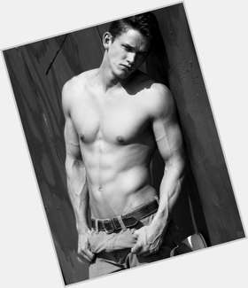 "<a href=""/hot-men/zach-roerig/is-he-married-leaving-vampire-diaries-and-candice"">Zach Roerig</a> Athletic body,  blonde hair & hairstyles"