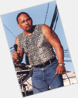 "<a href=""/hot-men/aaron-neville/is-he-married-catholic-christian-sick-deaf-black"">Aaron Neville</a> Bodybuilder body,  dark brown hair & hairstyles"