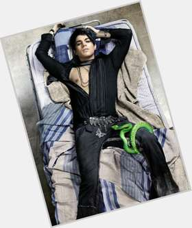 "<a href=""/hot-men/adam-lambert/is-he-glee-tonight-goth-going-be-regular"">Adam Lambert</a> Average body,  dyed black hair & hairstyles"