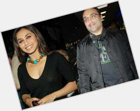 "<a href=""/hot-men/aditya-chopra/is-he-married-rani-mukherjee-divorce-already-wife"">Aditya Chopra</a> Average body,  dark brown hair & hairstyles"