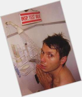 "<a href=""/hot-men/alex-kapranos/is-he-married-bi-atheist-tall-much-worth"">Alex Kapranos</a> Slim body,  light brown hair & hairstyles"