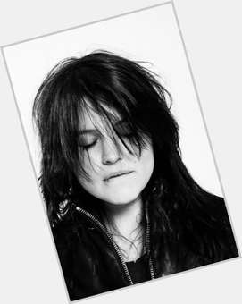 "<a href=""/hot-women/alison-mosshart/is-she-married-drugs-vegan-dating-jack-white"">Alison Mosshart</a> Slim body,  dark brown hair & hairstyles"