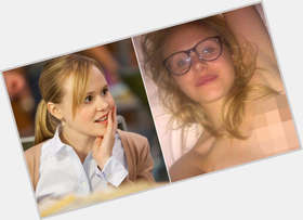 "<a href=""/hot-women/alison-pill/is-she-ugly-married-anorexic-sick-wearing-wig"">Alison Pill</a> Average body,  blonde hair & hairstyles"