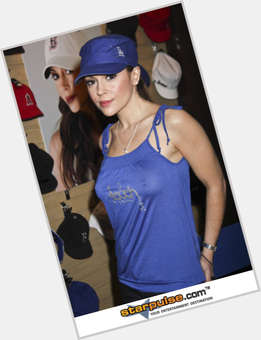 Alyssa Milano light brown hair & hairstyles Athletic body,