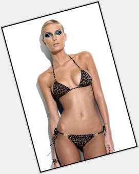 "<a href=""/hot-women/amanda-hearst/is-she-single-married-dating-much-worth"">Amanda Hearst</a> Slim body,  blonde hair & hairstyles"