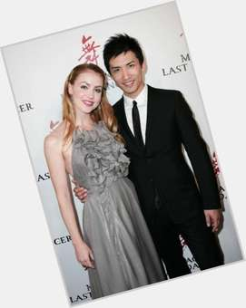 "<a href=""/hot-women/amanda-schull/is-she-related-rebecca-real-ballet-dancer-married"">Amanda Schull</a> Slim body,  blonde hair & hairstyles"