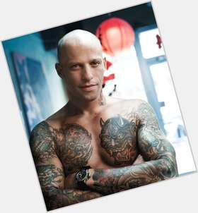 Ami James dark brown hair & hairstyles Athletic body,