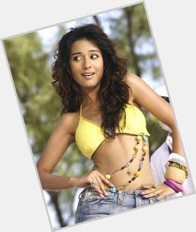 "<a href=""/hot-women/amrita-rao/is-she-married-too-skinny-pregnant-marathi-engaged"">Amrita Rao</a> Slim body,  dark brown hair & hairstyles"