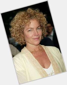 "<a href=""/hot-women/amy-irving/is-she-married-what-doing-now-mother-dating"">Amy Irving</a> Average body,  dark brown hair & hairstyles"
