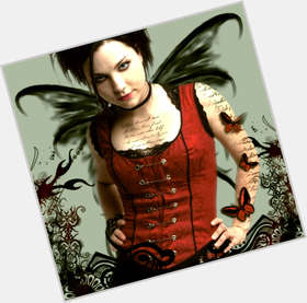 Amy Lee dyed black hair & hairstyles Voluptuous body,