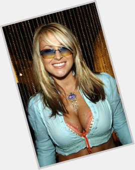 Anastacia blonde hair & hairstyles Athletic body,