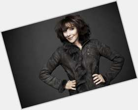 "<a href=""/hot-women/andrea-martin/is-she-still-pippin-greek-tall"">Andrea Martin</a> Slim body,  dark brown hair & hairstyles"
