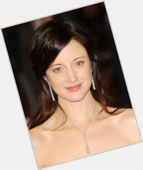 "<a href=""/hot-women/andrea-riseborough/is-she-married-dating-tall-hot-tom-hiddleston"">Andrea Riseborough</a> Slim body,  dark brown hair & hairstyles"