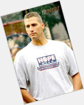 "<a href=""/hot-men/andy-pettitte/is-he-retiring-hall-famer-married-italian-christian"">Andy Pettitte</a> Athletic body,  dark brown hair & hairstyles"