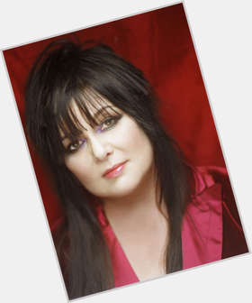 "<a href=""/hot-women/ann-wilson/is-she-married-sick-related-brian-still-fat"">Ann Wilson</a> Average body,  dark brown hair & hairstyles"