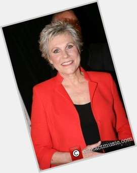 "<a href=""/hot-women/anne-murray/is-she-married-alive-still-singing-touring-performing"">Anne Murray</a> Slim body,  blonde hair & hairstyles"