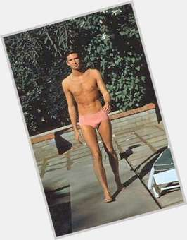 "<a href=""/hot-men/anthony-perkins/is-he-alive-bates-motel-new-son-still"">Anthony Perkins</a> Slim body,  salt and pepper hair & hairstyles"