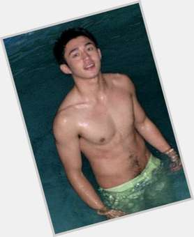 "<a href=""/hot-men/arron-villaflor/is-he-bi-2014"">Arron Villaflor</a> Athletic body,  dyed black hair & hairstyles"