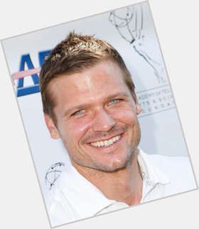 "<a href=""/hot-men/bailey-chase/is-he-married-leaving-longmire-dating-tall-he"">Bailey Chase</a> Athletic body,  dark brown hair & hairstyles"
