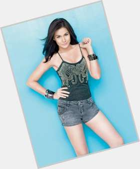 Bea Alonzo dark brown hair & hairstyles Voluptuous body,
