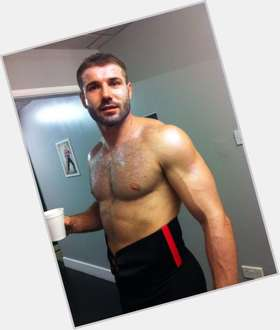 "<a href=""/hot-men/ben-cohen/is-he-married-bi-related-andy-dancing-stars"">Ben Cohen</a> Athletic body,  light brown hair & hairstyles"