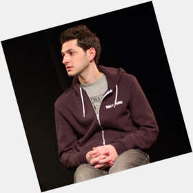 "<a href=""/hot-men/ben-schwartz/is-he-related-jenny-slate-single-dating-sister"">Ben Schwartz</a> Slim body,  dark brown hair & hairstyles"