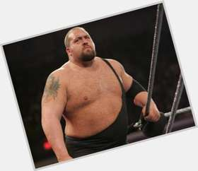 "<a href=""/hot-men/big-show/is-he-paul-wight-really-broke-broken-suing"">Big Show</a> Large body,  bald hair & hairstyles"