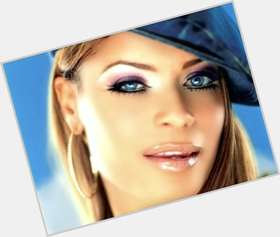"<a href=""/hot-women/blu-cantrell/is-she-black-married-cantrells-eyes-really-blue"">Blu Cantrell</a> Slim body,  dyed brown hair & hairstyles"