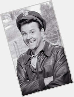 "<a href=""/hot-men/bob-crane/is-he-still-alive-death-homosexual-where-buried"">Bob Crane</a> Average body,  dark brown hair & hairstyles"