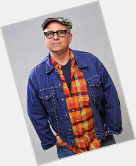 "<a href=""/hot-men/bobcat-goldthwait/is-he-related-charlie-day-retarded-voice-real"">Bobcat Goldthwait</a> Average body,  salt and pepper hair & hairstyles"
