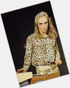 "<a href=""/hot-men/brian-eno/is-he-christian-married-twitter-atheist-vegetarian-genius"">Brian Eno</a> Slim body,  blonde hair & hairstyles"