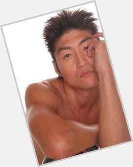 "<a href=""/hot-men/brian-tee/is-he-married-teefey-dating-when-birthday-teefy"">Brian Tee</a> Average body,  black hair & hairstyles"