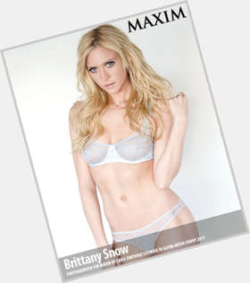 "<a href=""/hot-women/brittany-snow/is-she-dating-anna-kendrick-married-alive-natural"">Brittany Snow</a> Slim body,  blonde hair & hairstyles"