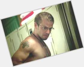 Carmine Giovinazzo light brown hair & hairstyles Athletic body,