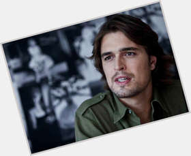 "<a href=""/hot-men/diogo-morgado/is-he-christian-married-catholic-single-dating-what"">Diogo Morgado</a> Athletic body,  dark brown hair & hairstyles"
