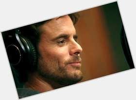 Charles Esten light brown hair & hairstyles Athletic body,