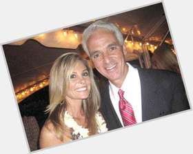 "<a href=""/hot-men/charlie-crist/is-he-married-still-running-governor-homosexual-republican"">Charlie Crist</a> Athletic body,  grey hair & hairstyles"