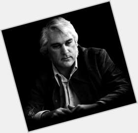 "<a href=""/hot-men/charlie-rich/is-he-still-alive-blind-richardson-gangster-black"">Charlie Rich</a> Average body,  salt and pepper hair & hairstyles"