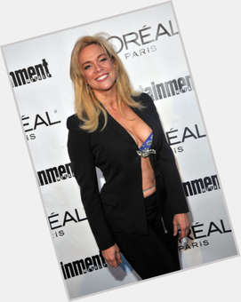 "<a href=""/hot-women/chase-masterson/is-she-married-tall"">Chase Masterson</a> Slim body,  blonde hair & hairstyles"