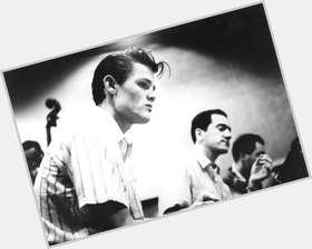 "<a href=""/hot-men/chet-baker/is-he-alive-flea-dad-bakers-son-where"">Chet Baker</a> Average body,  light brown hair & hairstyles"