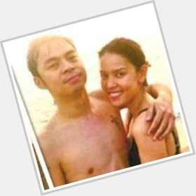 "<a href=""/hot-men/chito-miranda/is-he-half-korean-married-and-pauleen-luna"">Chito Miranda</a> Slim body,"