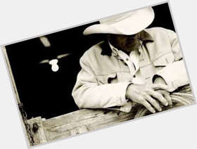 "<a href=""/hot-men/chris-ledoux/is-he-alive-or-garth-brooks-where-buried"">Chris Ledoux</a> Athletic body,  dark brown hair & hairstyles"