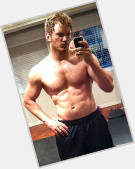 "<a href=""/hot-men/chris-pratt/is-he-leaving-parks-and-recreation-still-band"">Chris Pratt</a> Athletic body,  light brown hair & hairstyles"