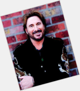 "<a href=""/hot-men/chuck-negron/is-he-bi-2014"">Chuck Negron</a> Average body,  light brown hair & hairstyles"