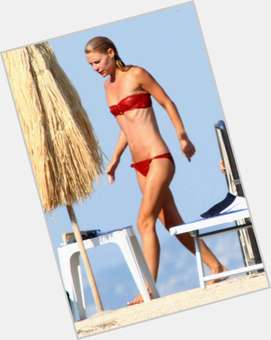 "<a href=""/hot-women/claire-danes/is-she-pregnant-married-again-bipolar-crazy-leaving"">Claire Danes</a> Slim body,  dyed blonde hair & hairstyles"